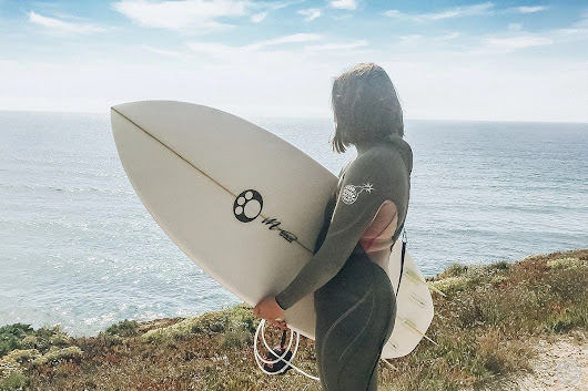 Awayco — The Netflix of Surfboards | Surfer Girl On The Move