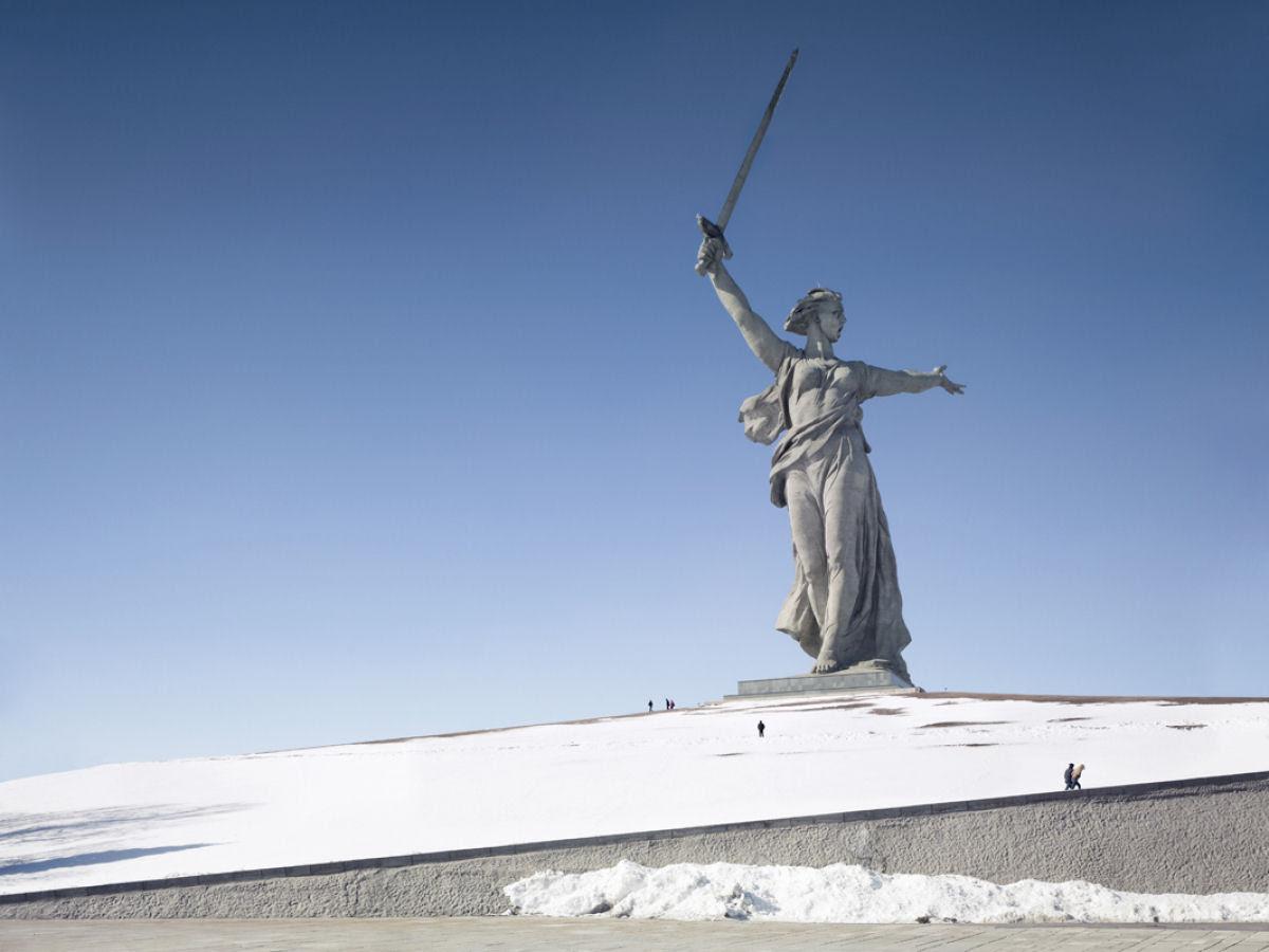 Paisagens alteradas pelas maiores estátuas do mundo 02