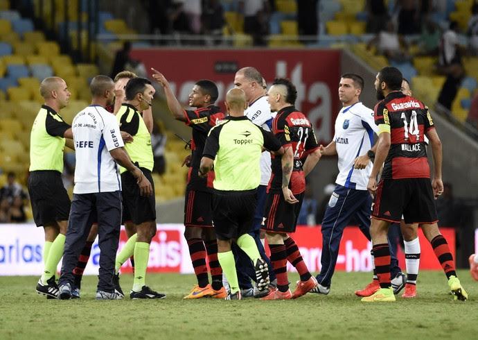 Flamengo x Vasco - discussão pós-jogo (Foto: André Durão)