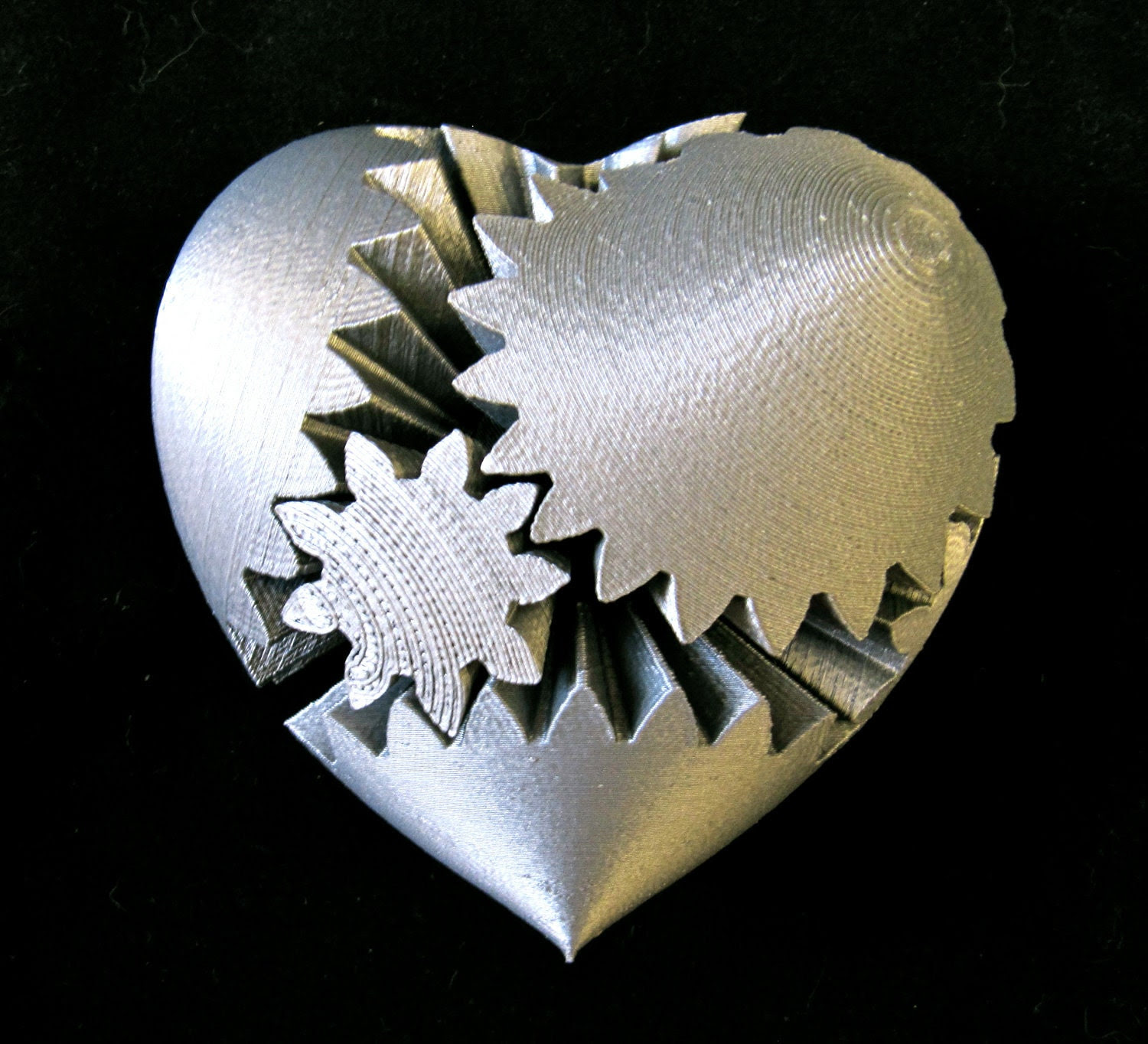 Steampunk Rotating Gear Heart (3D Printed) - CarryTheWhat