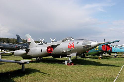 Yakovlev Yak-28BL 44 red
