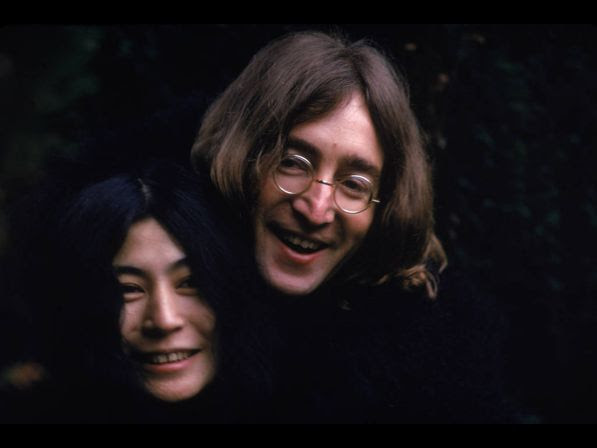 Japanese­born artist and musician Yoko Ono and British musican and artist John Lennon (1940 ­ 1980), December 1968.