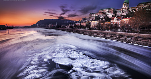 I Captured The Rare View Of The Frozen Danube In Budapest