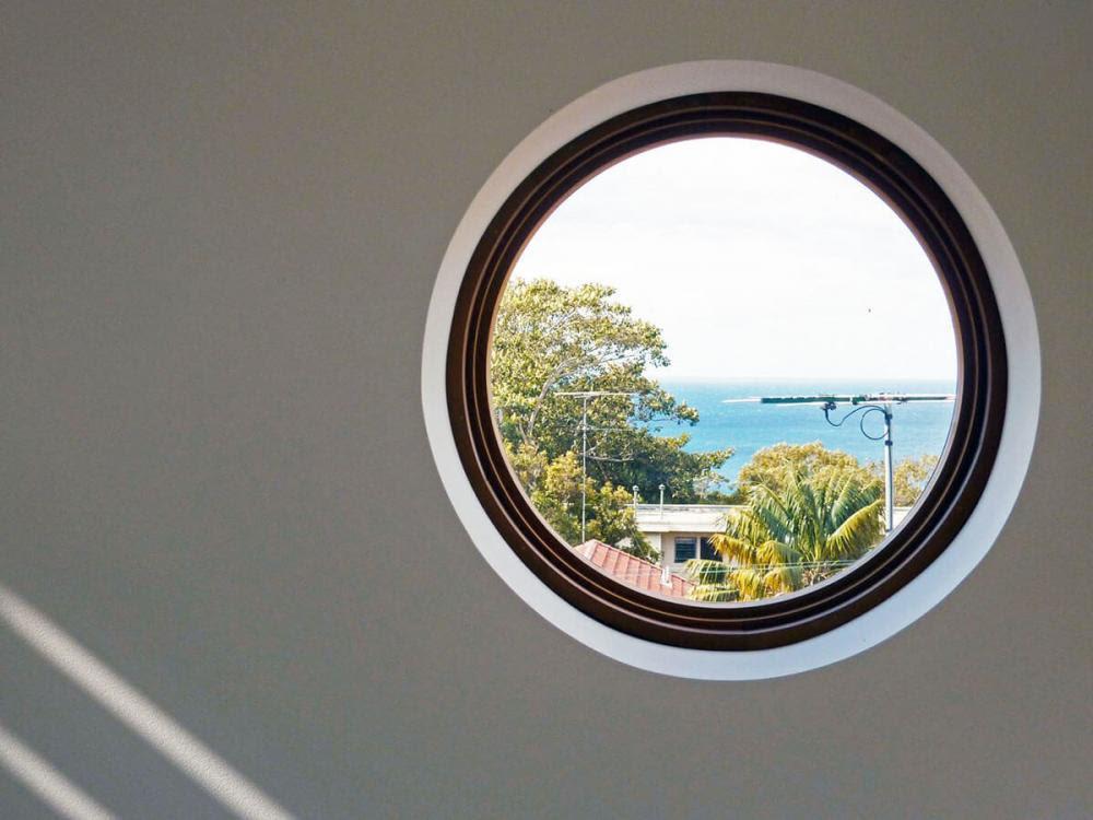cửa sổ tròn