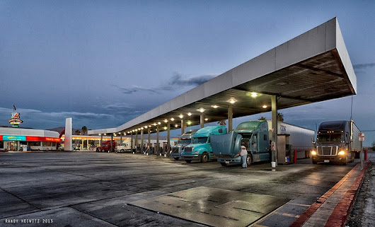 4 Things to Consider About Trucking Fleet Fuel Efficiency