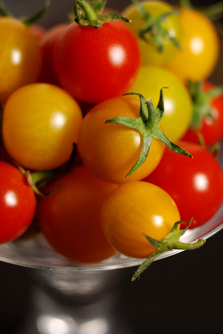 red and yellow cherry tomatoes© by Haalo