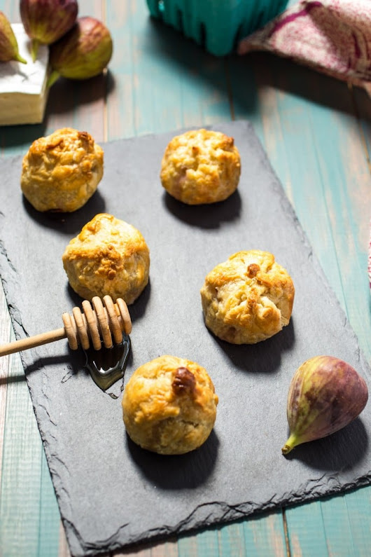 Brie Stuffed Fig Puff Pastry Bites