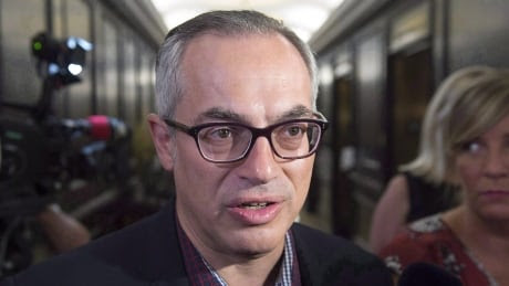 Tony Clement hangs up on CBC Daybreak after exchange over asylum seekers