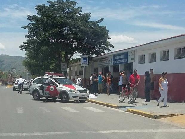 Homem é morto em frente a posto de saúde em Potim (Foto: Arquivo pessoal)
