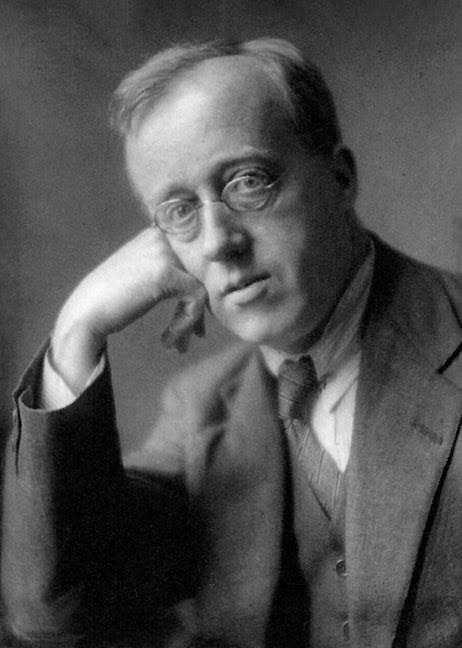 http://upload.wikimedia.org/wikipedia/commons/thumb/0/01/Gustav_Holst.jpg/462px-Gustav_Holst.jpg