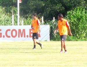 Carlos Eduardo faz primeiro coletivo no Flamengo (Foto: Janir Júnior)