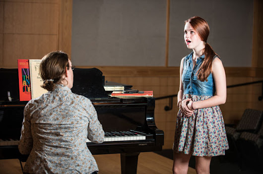 Amateur Musical Theatre: A Singing Teacher's Role