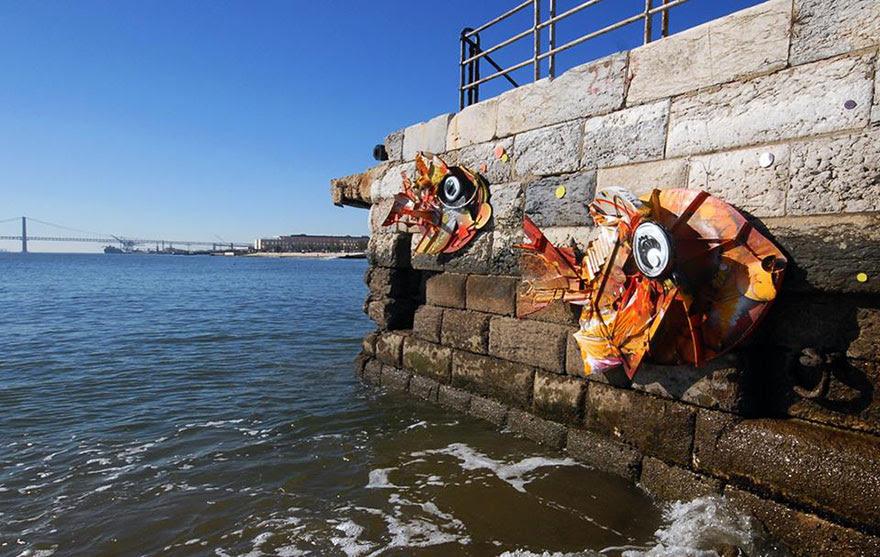 recycled-sculptures-street-art-big-trash-animals-artur-bordalo-9