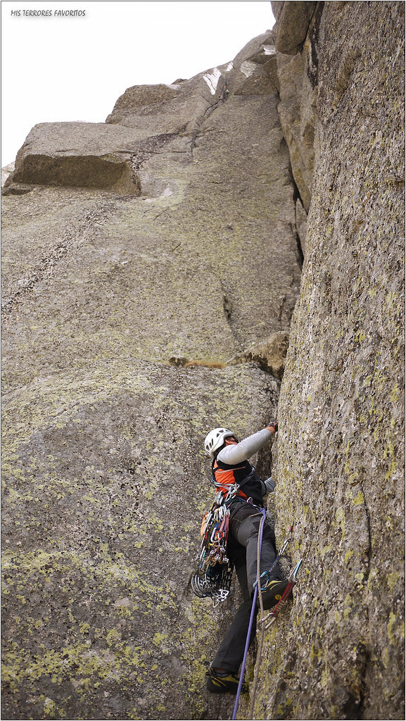 VÍA DELIRIUM TREMENS - 100 m EDsup 7a A2 - PARED NORTE DEL MONO - GALAYOS