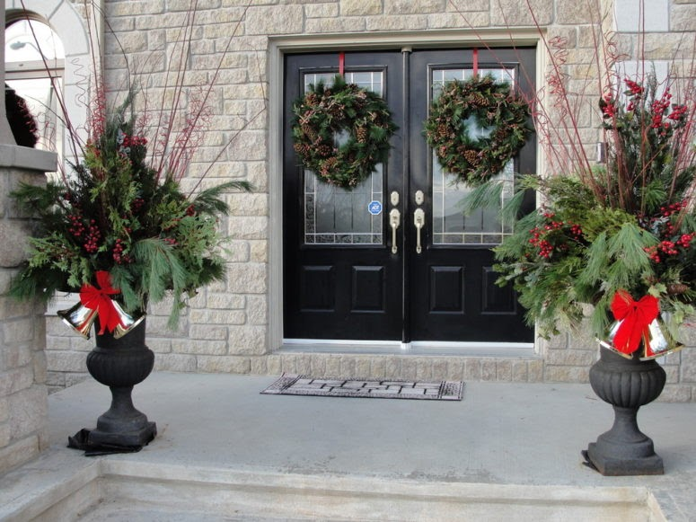 Trends For Outdoor Christmas Porch Railing Decorations pictures