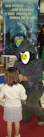 Johnny Online with children at the Sao Paolo bookfair, Brazil edition launch (Hibridos), August 24 2008