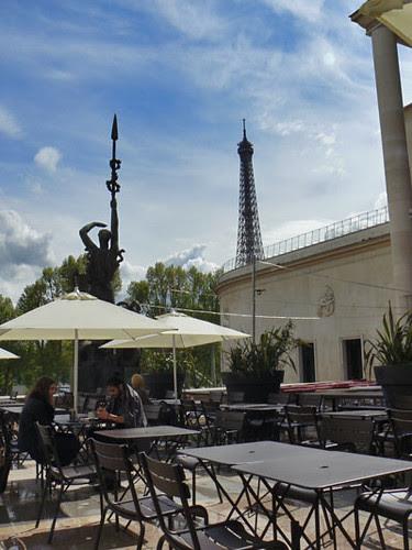 café du musée d'art moderne.jpg