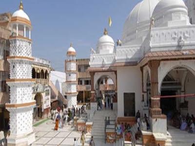 http://cdn1.images.touristlink.com/data/cache/R/A/N/C/H/H/O/D/ranchhodrai-dakor-temple_400_300.jpg