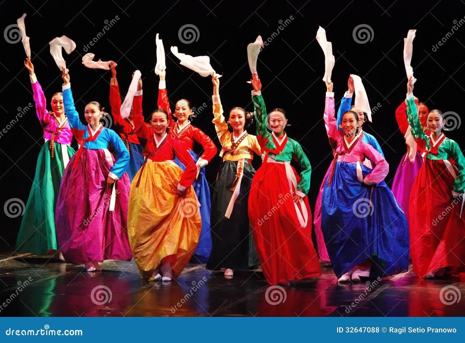 Performers Of Busan Korean Traditional Dance Editorial Stock Photo  Image: 32647088