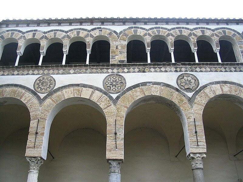 File:SalernoCathedralPattern.jpg
