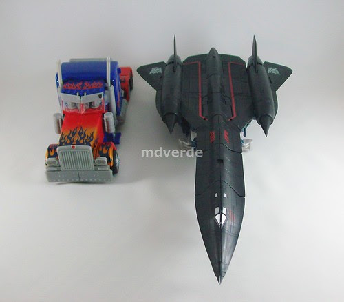 Transformers Jetfire RotF Leader vs Optimus Prime - modo alterno