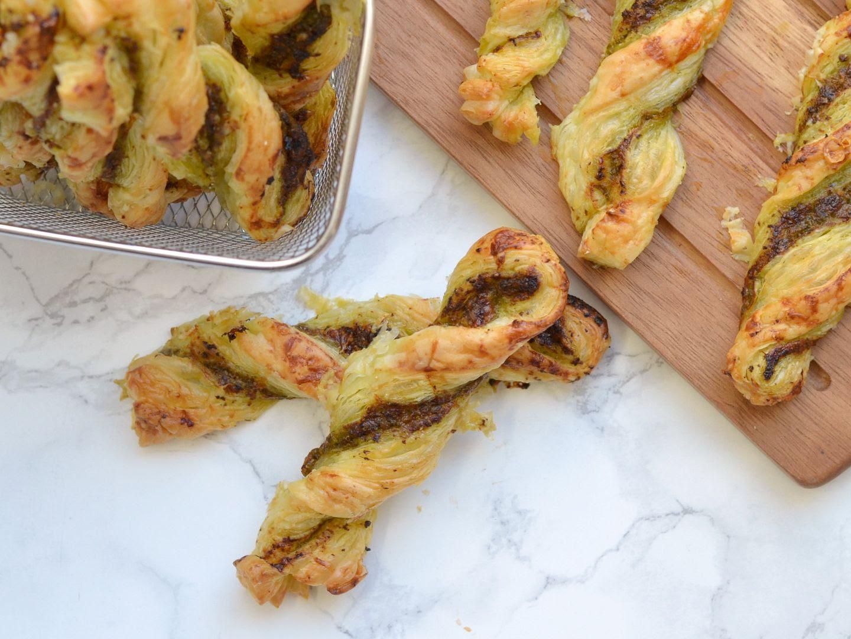 3 Ingredient Cheesy Pesto Twists