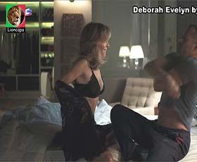 Deborah Evelyn sensual na novela A Dona do pedaço