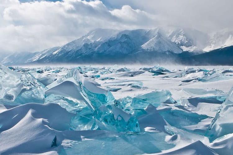 http://i-cms.linternaute.com/image_cms/750/10286471-sublime-glace-turquoise-au-lac-baikal.jpg