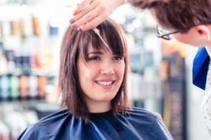 So Kaschieren Sie Eine Hohe Stirn Beauty Tippsnet