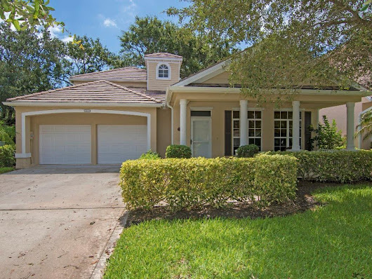 3 bed / 2 full, 1 partial baths  Home in Vero Beach for $495,000