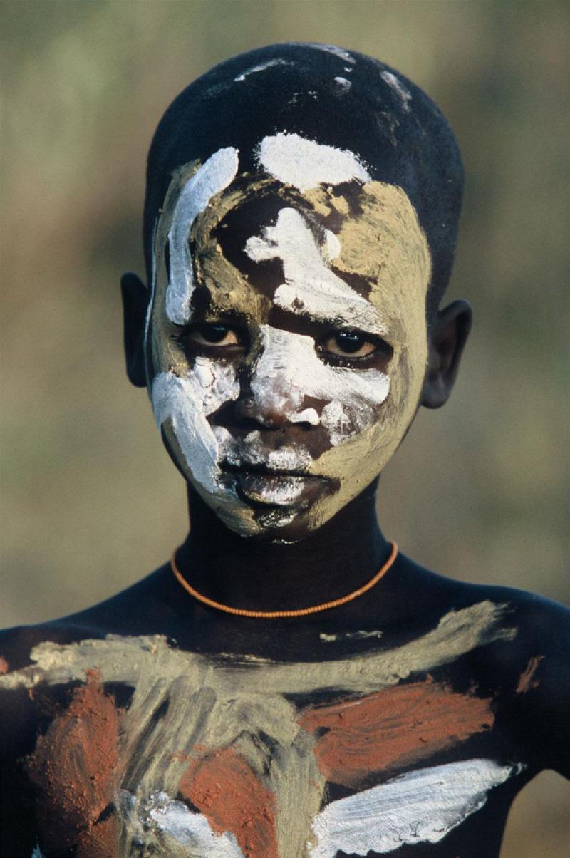 A beleza das Tribos Surma e Mursi, uma cultura em perigo, no sul de Etiópia 37