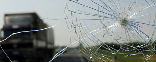 The Top 5 Unusual Causes of Cracked Windscreens - Fast Car Glass