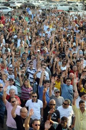 Em assembleia realizada no Parque da Cidade, os policiais civis decidiram, por unanimidade, retomar a paralisação ( Iano Andrade/CB/D.A Press)