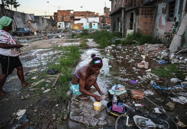 Resultado de imagem para imagens de pobreza brasileira