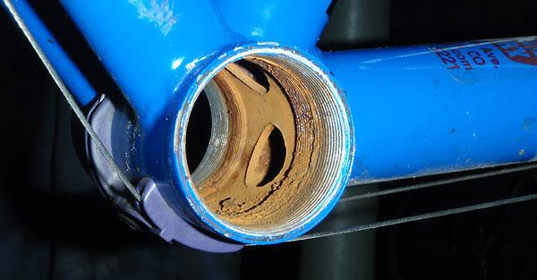 rusty bottom bracket shell