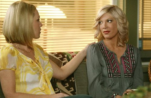 Jennie Garth and Tori Spelling