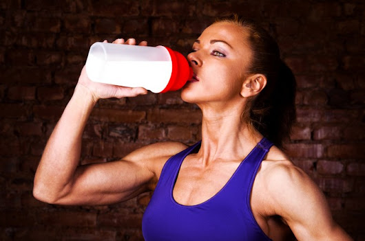Best BCAA for Women (Benefits of BCAAs, Side Effects)