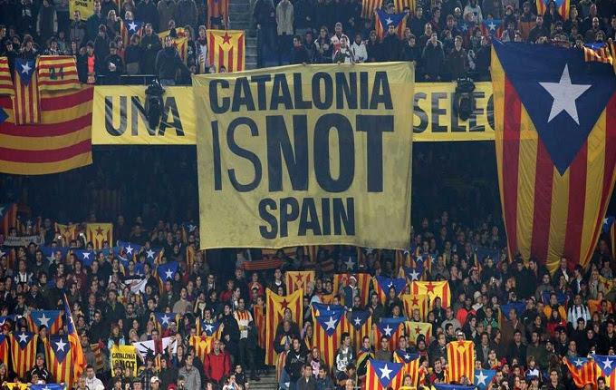 Kata tersebut berada di tribun timur Camp Nou `Mes Que Un Club` Milik Barcelona Ternyata Punya Makna
