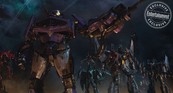 A screenshot of Shockwave, Starscream and their fellow Decepticons ready to battle the Autobots (off-screen) on Cybertron...in BUMBLEBEE.