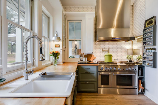 Paleface Ranch - Farmhouse - Kitchen - austin - by Van Wicklen Design