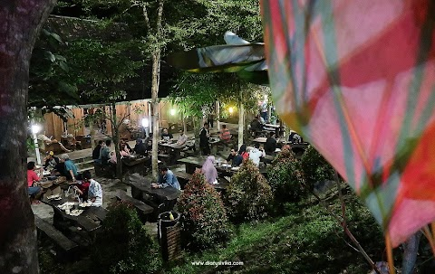 Wedangan Kampoeng Jogja, Angkringan Nuansa Jadul