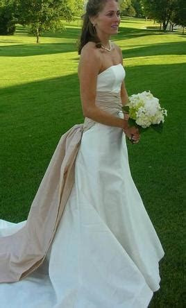 Carolina Herrera Catherine Wedding Dress, $500 Size: 2