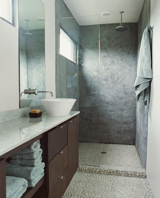 How to Do a Material-Rich Bathroom
