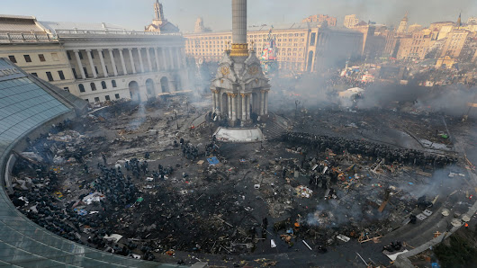 Stark before-and-after images of Kiev's Independence Square