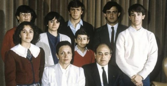 Foto de archivo de la familia Pujol tomada en los años ochenta. / EFE