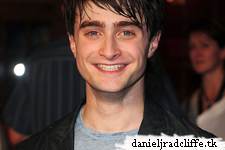 The Wizarding World of Harry Potter opening: Daniel attends red carpet premiere