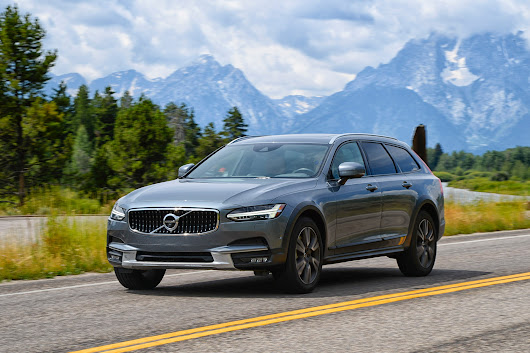 A Mesmerizing Road Trip in a 2017 Volvo V90 Cross Country | Automobile Magazine