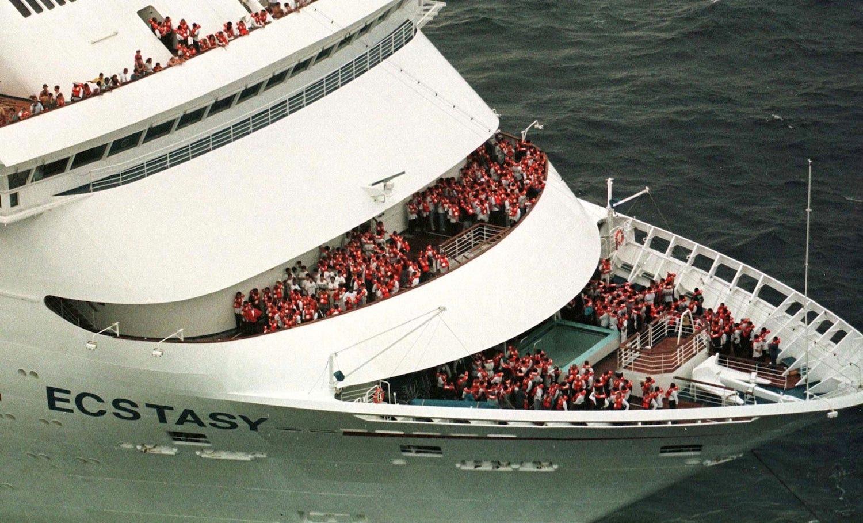 DailyPhotoCard: A Photo History Of Carnival Cruise Ship