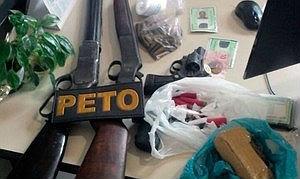 Armas,munição e drogas foram apreendidas com a quadrilha