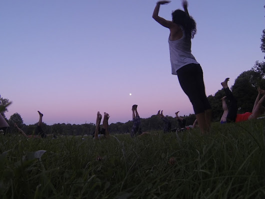 Free Patagonia Outdoor Yoga Classes in Munich | Anna Kathalina Langer
